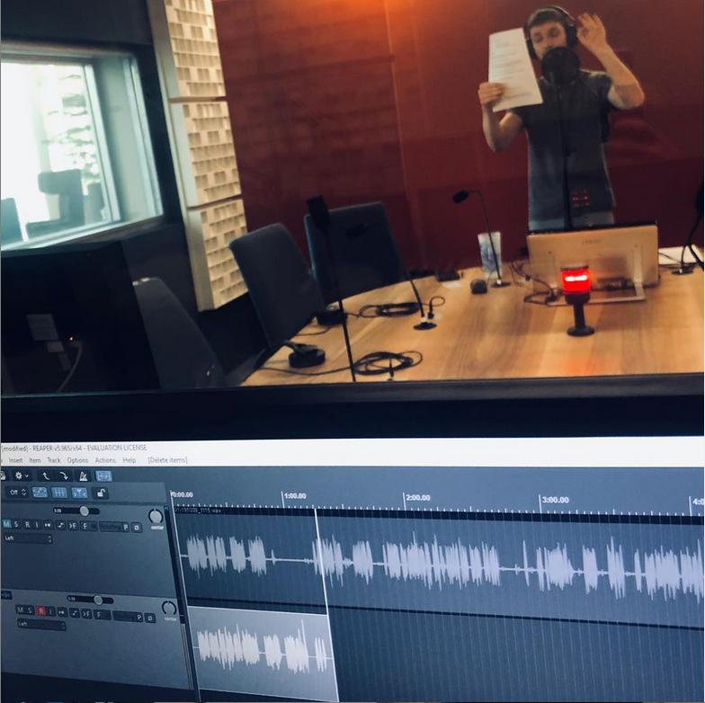 Enregistrement de voix off professionnelle pour les séries de podcasts et productions sonores. Travailler l'identité sonore au plus juste pour une communication efficace